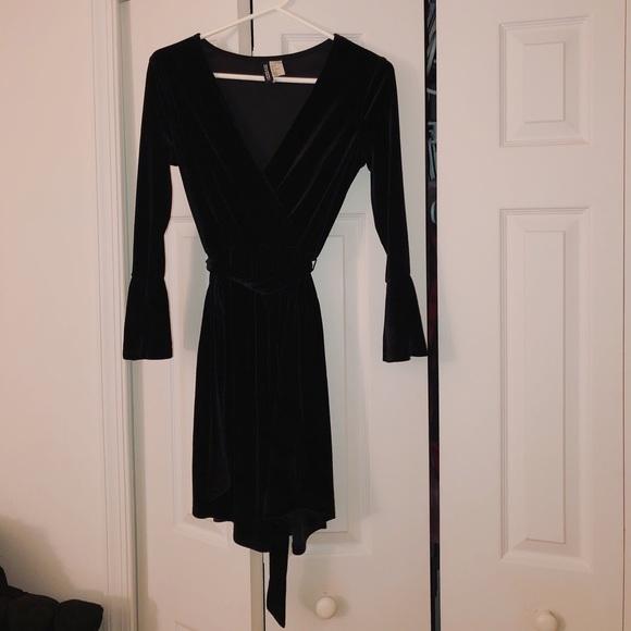 dc234dff929c9 H&M Dresses | Black Velvet Wrap Dress | Poshmark
